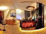 Doppelbett in der Deluxe Suite Bacchus