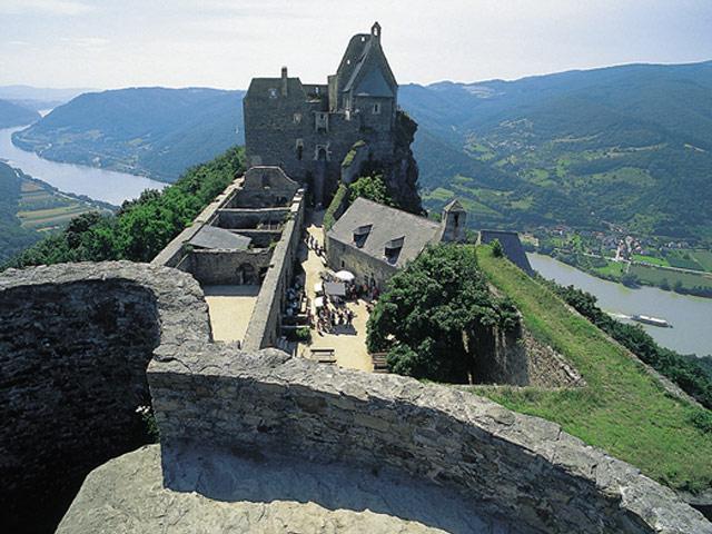 Gro�ansicht Burgen- & Schl�sser entlang der Doanu