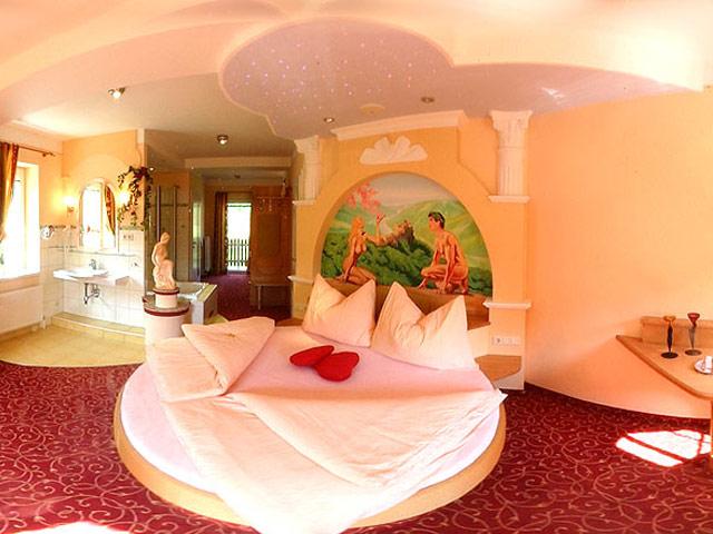 Romantikzimmer f r zwei hotel residenz wachau for Zimmer mit whirlpool bayern