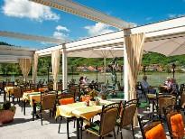 Restaurant direkt am Donauufer