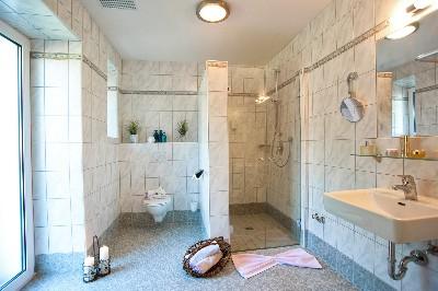 Großansicht Badezimmer