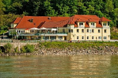 Großansicht Hotel Donauterrasse