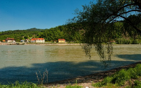 Direkte Lage an der Donau